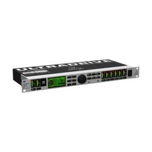 Behringer DCX2496LE - Цифровая сиcтема управления ак. сист. 24 бит/ 96 кГц, 2 вх. - 6 вых, AES/EBU, артикул 450334
