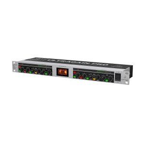 BEHRINGER MIC2200 V2 - ламповый предусилитель для микрофонов/лин.источников (MIC2200) 2-канальный Артикул 453910
